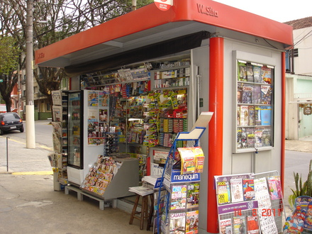 a banca de journal - the Brazilian newsagent