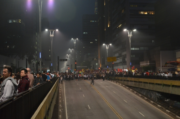 Avenida Paulista and Rua Consolação towards the beginning of the protest.